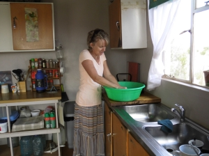 Di doing washing.
