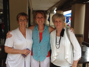 Di with Les' Crickmay's wife, Angie, on the left and Judy Balcombe on the right.
